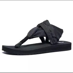 Yoga Sandal very Flexible and Comfortable.